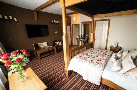 Heart of England Weddings - Room 6 Old Hall House Bridal Suite